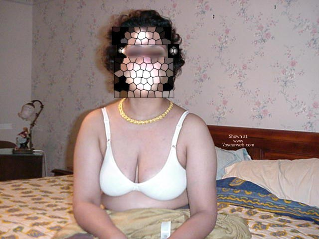 Pic #1 Indian Wife 4