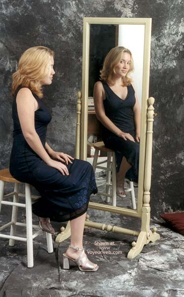 Pic #1 *SN Amy at The Mirror