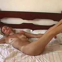 Dolly - Legs Up