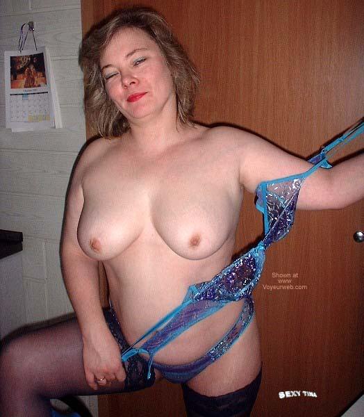 Pic #1 Sexy Tinas Striptease 2
