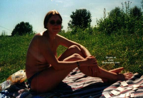 Pic #1 Hanna Sunbathing