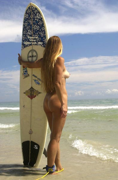 Pic #1 Tsunami Merci Goes Naked Surfing