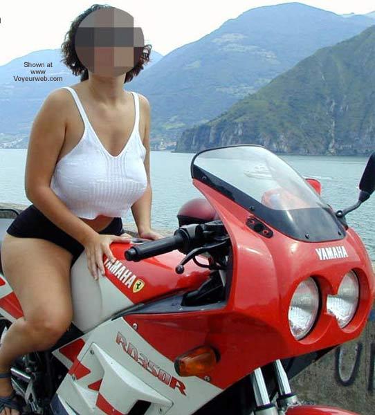Pic #1 Tiziana in Moto