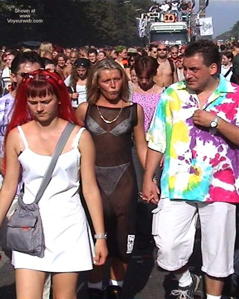 Pic #1 LoveParade 2001 In Berlin 38