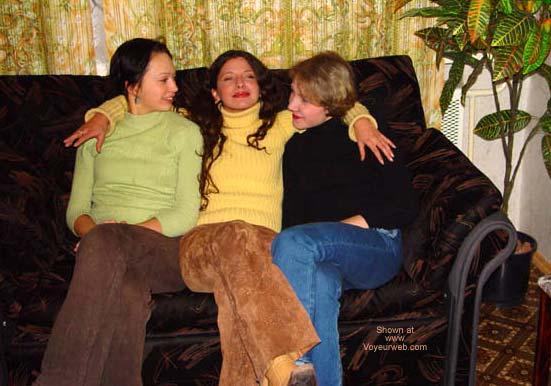 Pic #1 *GG Mandlen - Ilona - Margo