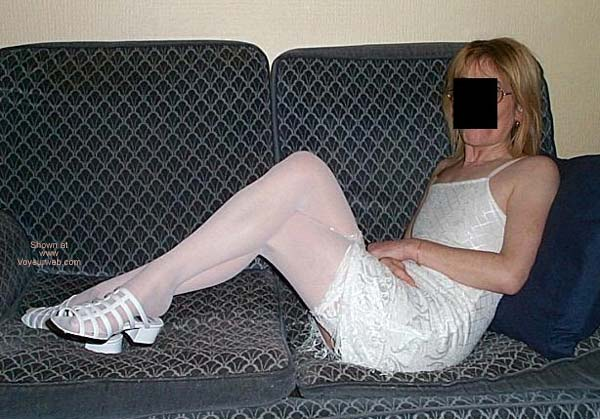 Pic #1 UK Petite 40 yo - Innocent White 5