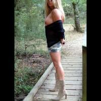 Hot Legs..Last  Days Of Summer.