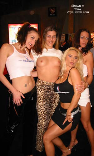 Pic #1 Hollywood Flasher at the Porn Show