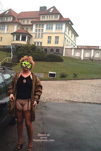 Pic #1 Mausi Nude in Public