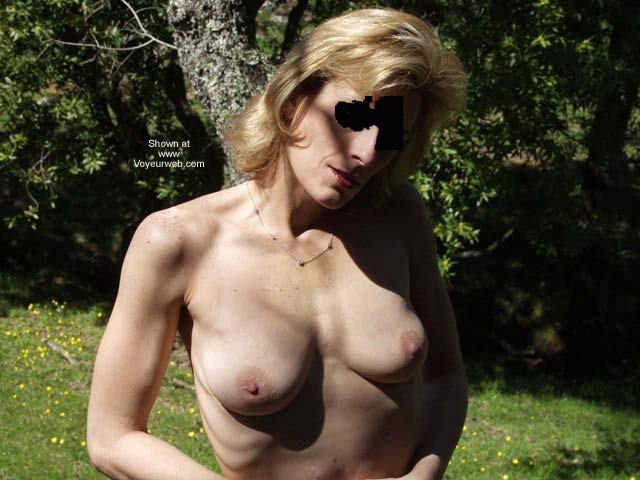 Pic #1 Naked in The Park