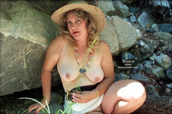 Pic #1 *SA 40, Naked and Outdoors