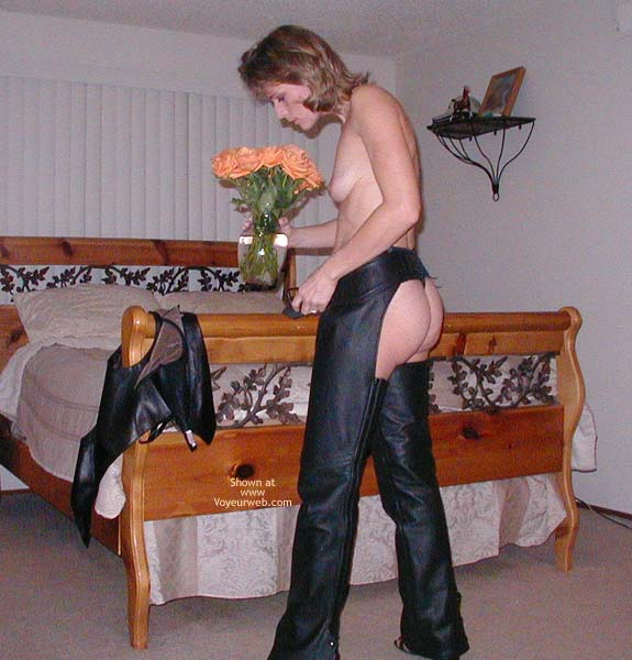 Pic #1Naked in Park Puts On Chaps