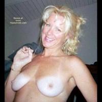 Jeannie'S Sexy Titties