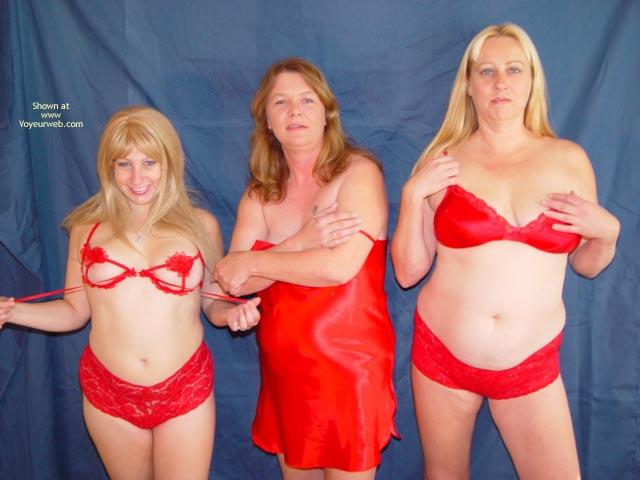 Pic #1 Mother,Daughter,Daughter