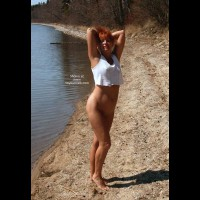 Red Tonya 9 - Scenes From The Beach