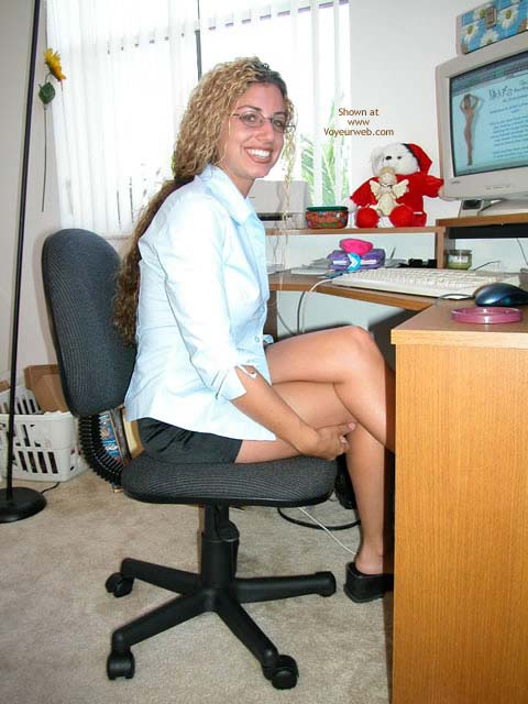 Pic #1 *PA Nikki Working On Her Site!