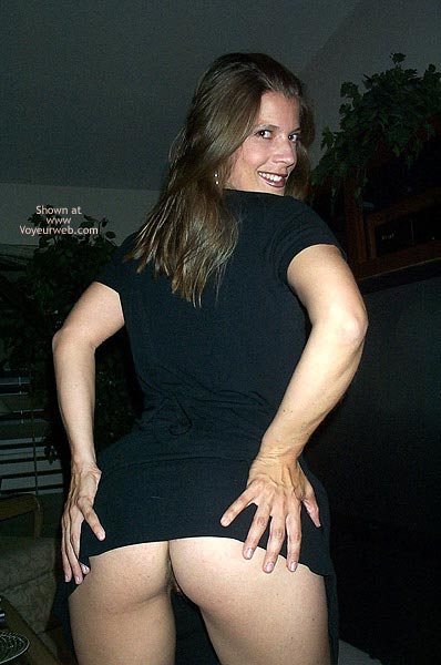 Pic #1 Pamela Loosens Up 1