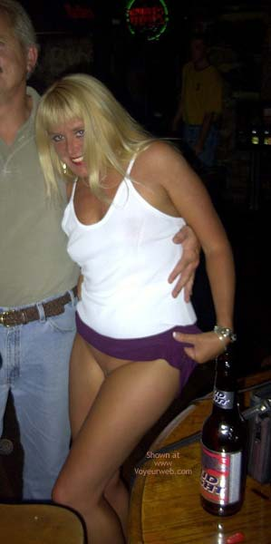 Pic #1 *NP Flashingal Pantyless in Public