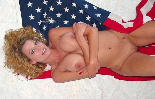 Pic #1 Lindsey Wishes Everyone a Happy 4th of July!