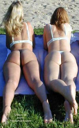 Pic #1 2 Girls Sunbathing