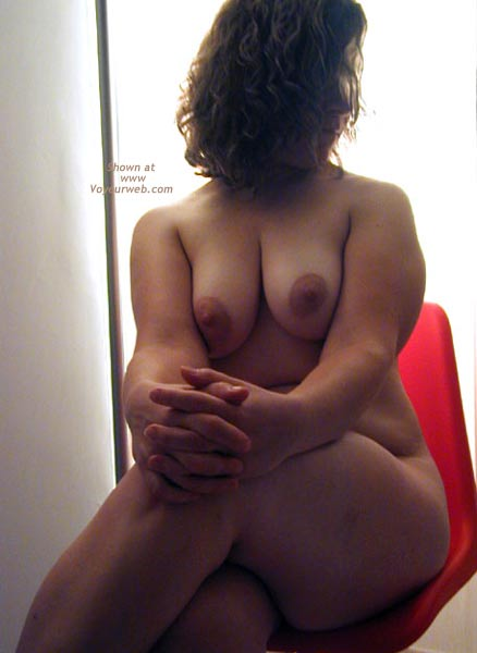 Pic #1 OH Wife Hard Nipples - Round Rear - Shadows - Curves