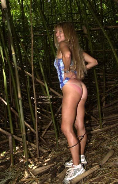Pic #1 Merci Goes Hiking in Hawaii