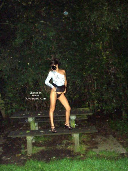 Pic #1 Photos de Lisa Nue en Pleine Rue