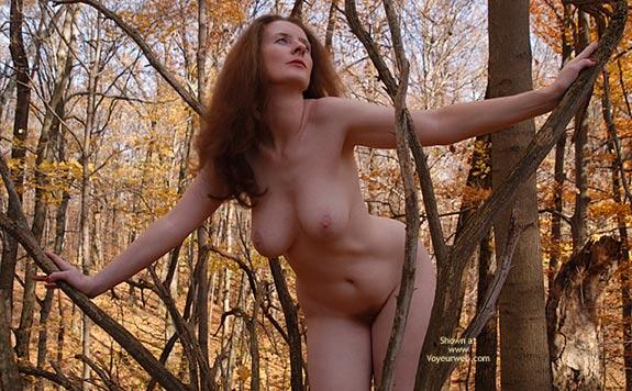 Womanly Hips - Hanging Tits , Womanly Hips, Hanging Boobs, Long Redhair, Tree Nymph, Nature Flashing