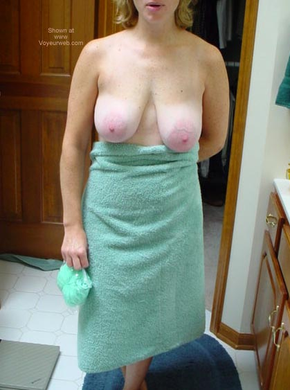 Pic #1 Cafe Lady After Bath