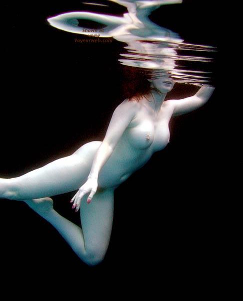 Pic #1 *WA English Wife Water Dance