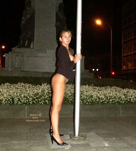 Pic #1 Gabriela Pole Dancing