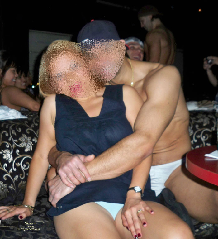 amatuer nude lap dance
