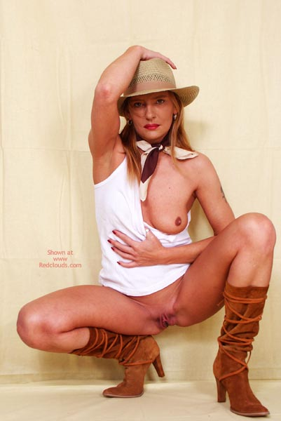 Pic #1Susy Rocks Hat And Boots