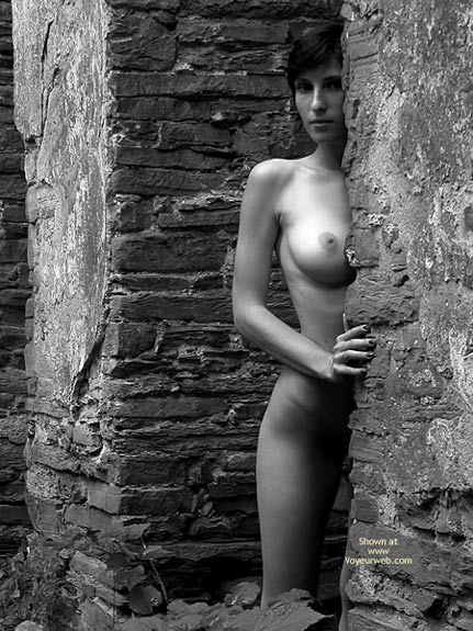 Black And White - Black And White, Full Nude , Black And White, Full Nude, Artistic Nude Black And White Outside