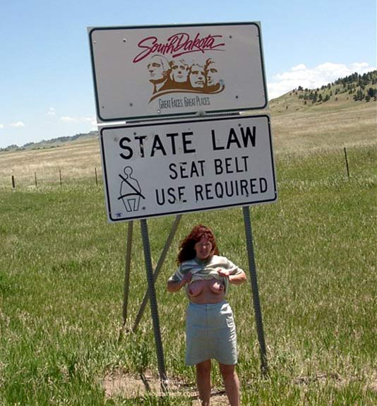 Pic #1 Misti - Leaving South Dakota Entering Wyoming