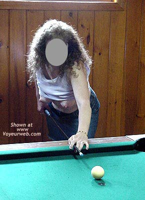 Pic #1 Babe Shooting Pool