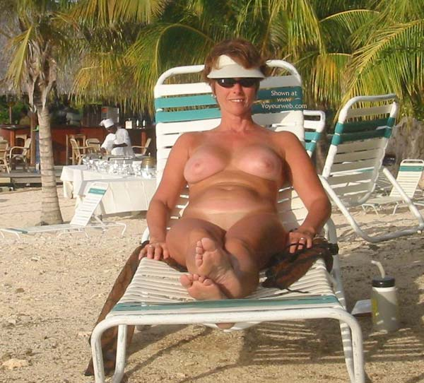 Pic #1 Renee Naked On Not-A-Nude Beach
