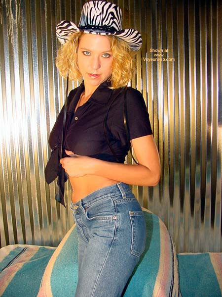 Pic #1 Lindsey Plays in Jeans