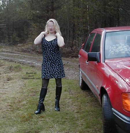 Pic #1 Pee Babe Linda On a Mercedes