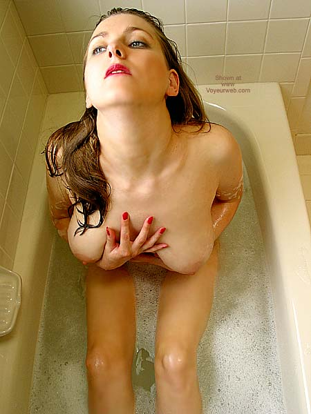 Pic #1 *TU VW_Laura Takes a Foamy Bath