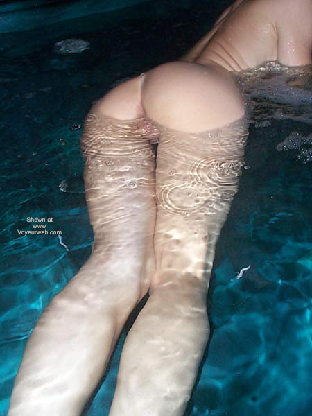 Naked Under Water - Round Ass , Naked Under Water, Lots O Lube, Perfectly Round Ass, Naked Pussy In The Pool