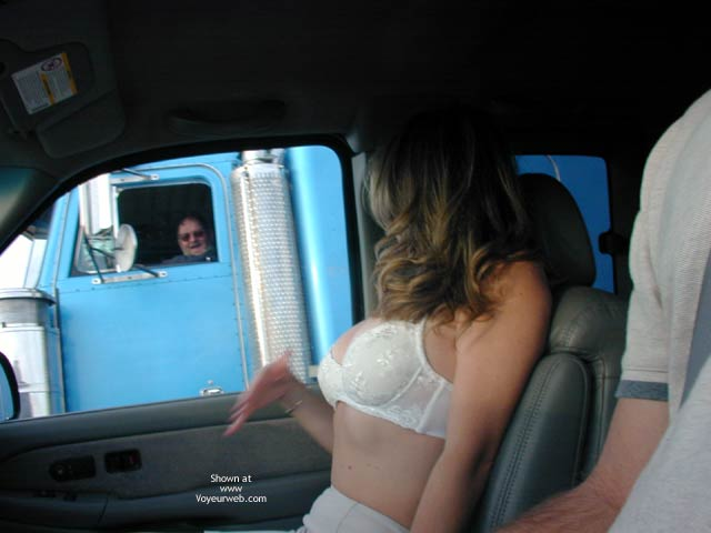 White Bra - Blonde Hair, Bra , White Bra, Blonde Codriver, Flashing Trucks, Blonde, Expose To Trucks, Truck Flashing