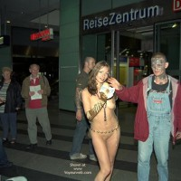 *FP Jeanette Flashing in Berlin Subway
