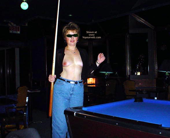 Pic #1 MidWest Cindy Playing Pool