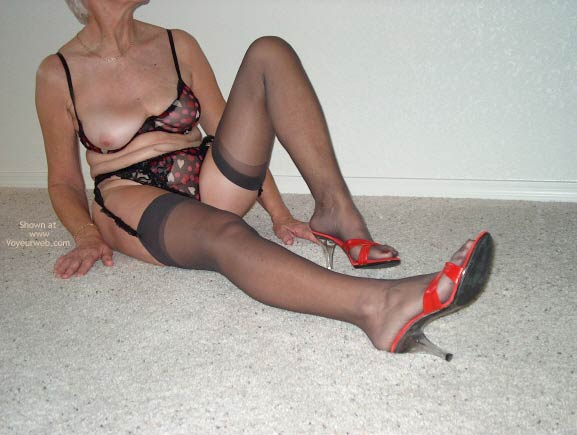 Pic #1 Sexy Mature Lady 2