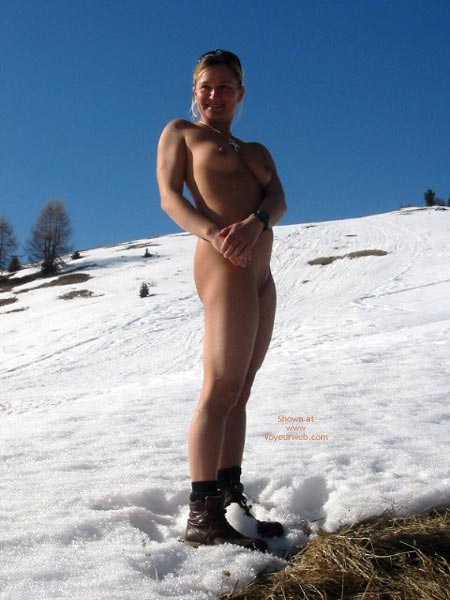 Naked Blonde In Snow , Naked Blonde In Snow, Nude Outdoors In Snow, Naked Blonde Wearing Boots, Brown Boots