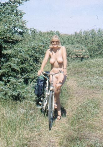 Pic #1 Enna in The Dunes