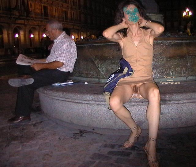 Nude In Public - Hairy Pussy, No Panties, Nude In Public, Upskirt, Pussy Flash , Nude In Public, Sitting On Fountain, Oops No Panties, Brunette Upskirt, Flashing Pussy, Hairy Pussy
