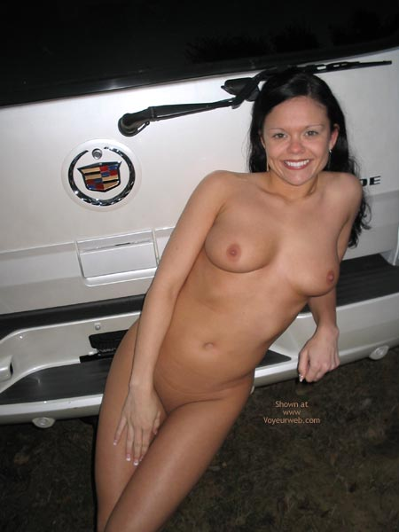 Pic #1 *Pl J Foxxx Naked In A Parking Lot