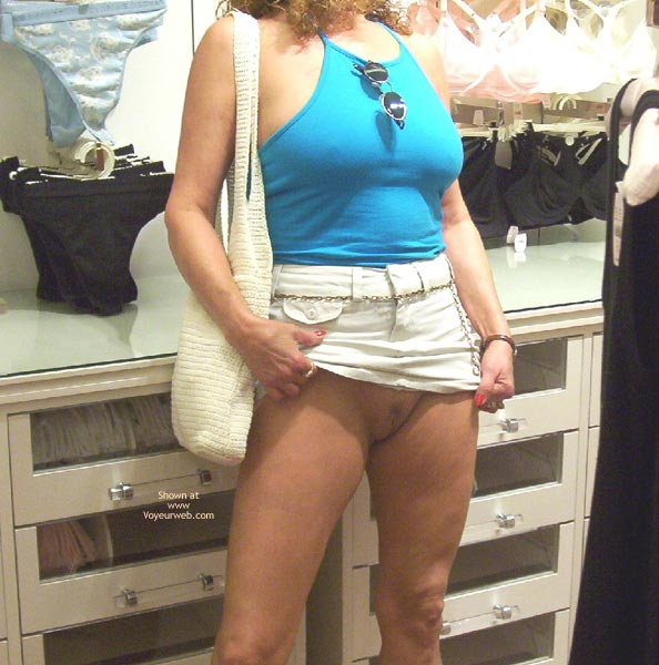 Pic #1 Liz is Back, Kitty Pics & Shopping For Panties